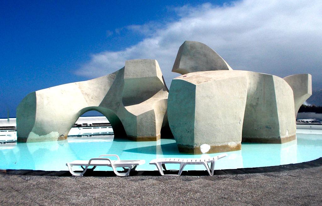 sculpure lago martianez